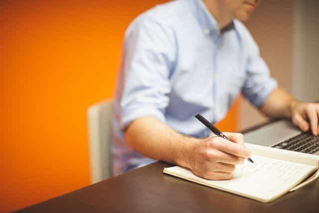 Empleo y Oferta de Trabajo
